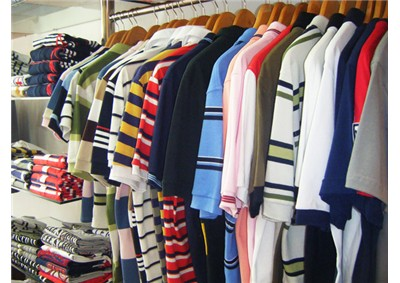 457d618715 Temos tudo em roupa masculina no melhor estilo e totalmente atual.  Camisetas